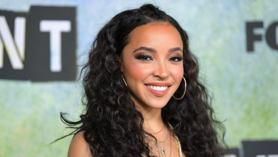 Tinashe Singed with Roc Nation
