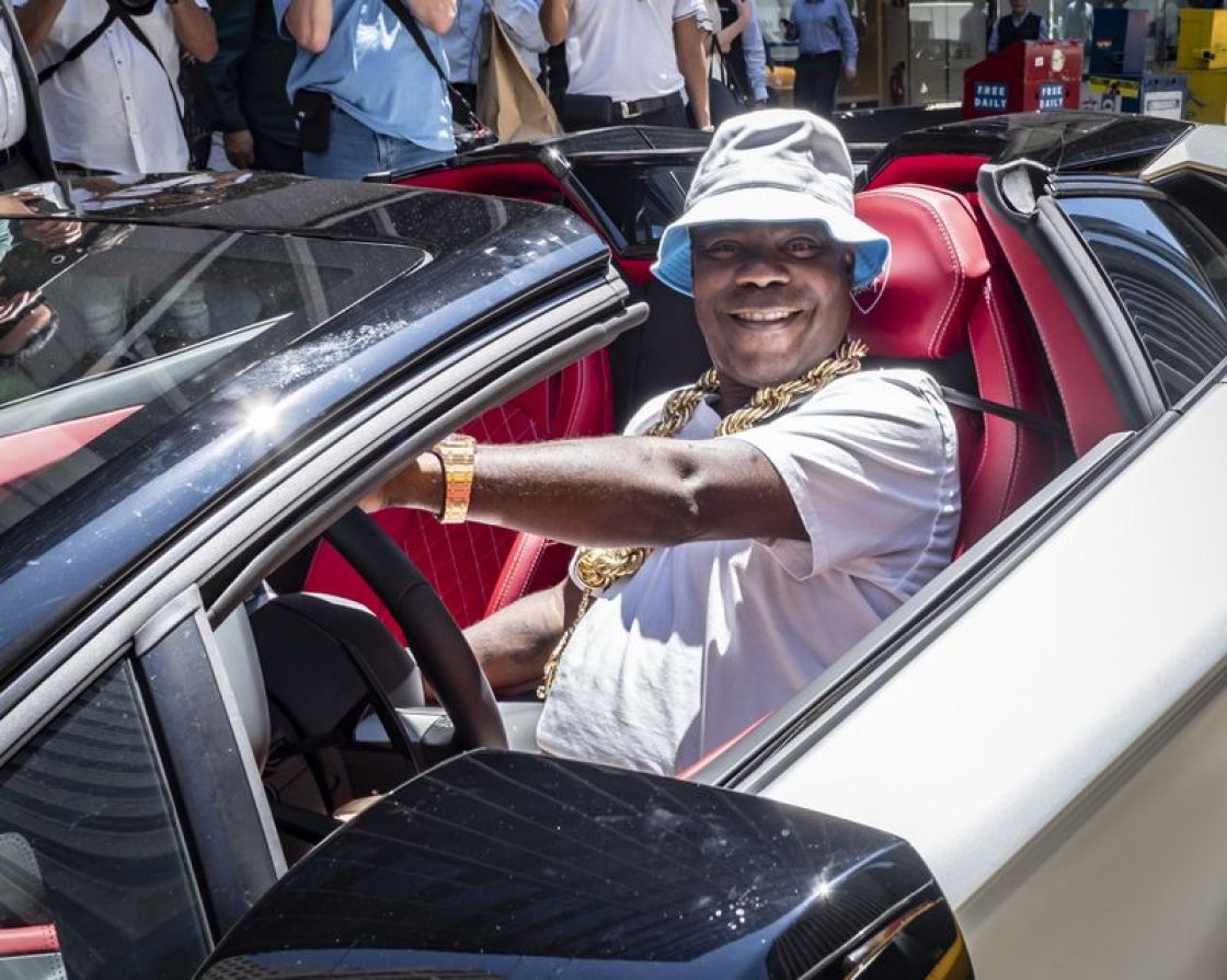 Tracy Morgan's $2 million Bugatti sideswiped by Honda ! What is going on?